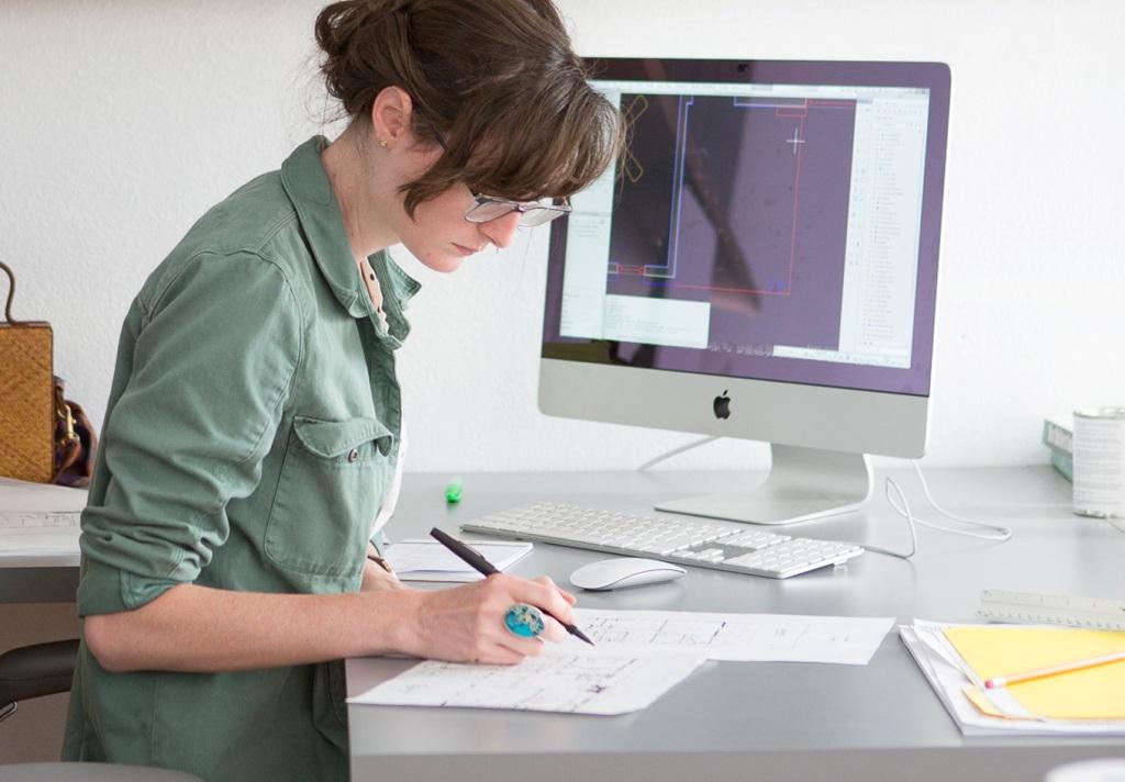best way to find a bookkeeper myob xero quickbooks online