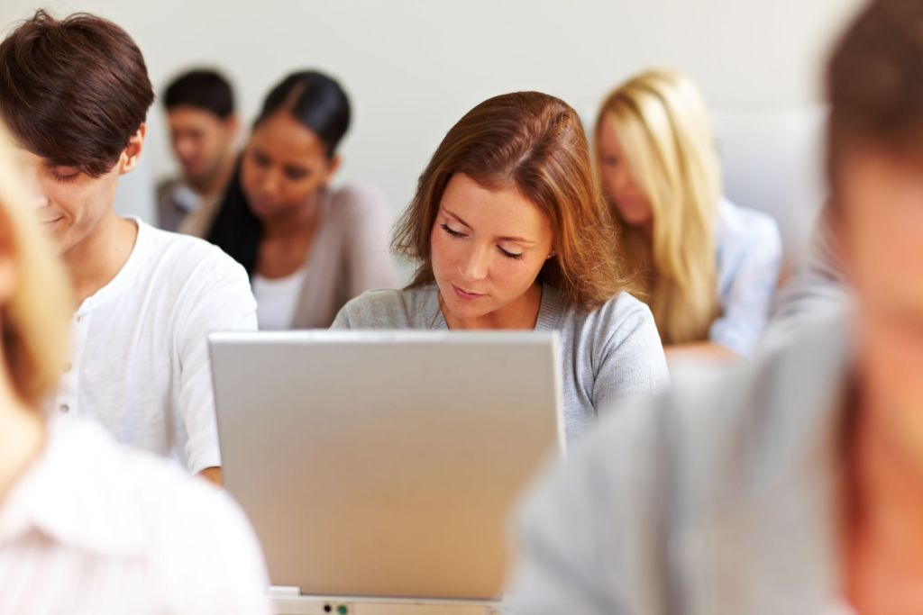 powerpoint for online inductions and WHS training